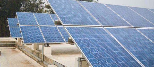 Ứng dụng pin mặt trời vào bơm nước và thắp sáng đèn Led cho cây trồng, vật nuôi