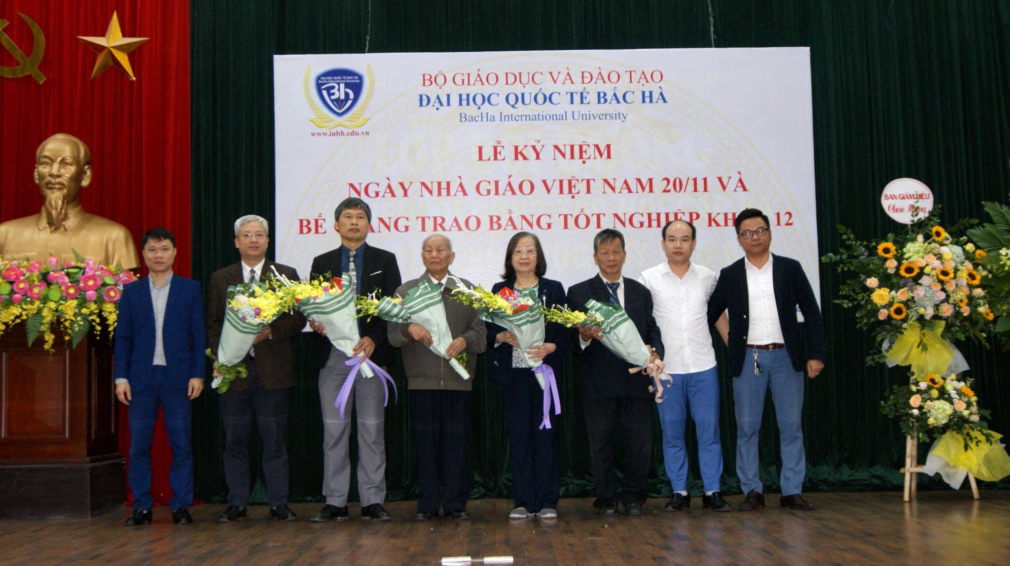 Lễ Kỷ niệm ngày Nhà giáo Việt Nam 20-11 và Bế giảng trao bằng tốt nghiệp cho sinh viên khóa K12