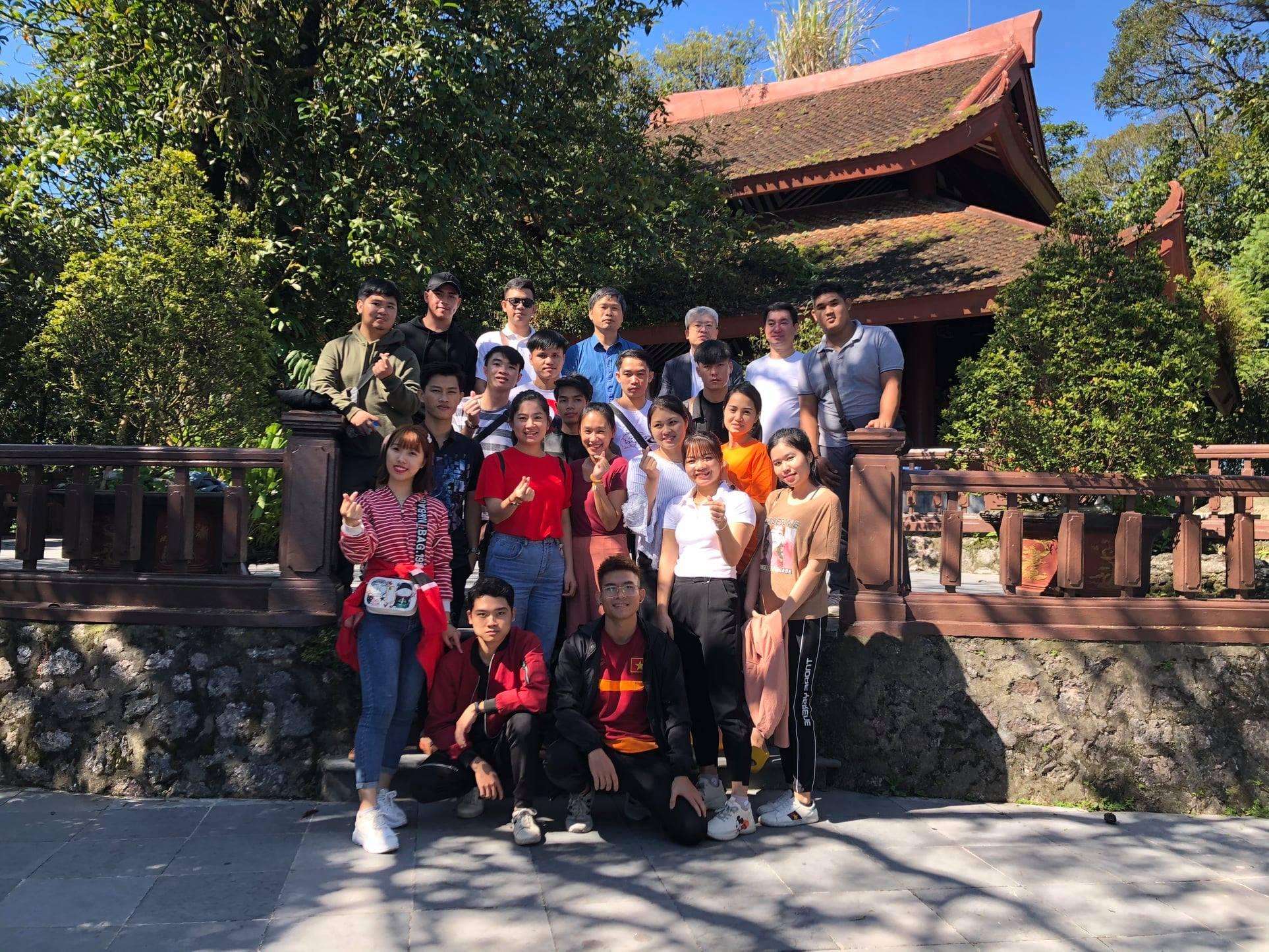 Trường Đại học Quốc tế Bắc Hà tổ chức tham quan Đền thờ Bác Hồ - Ba Vì cho cán bộ và sinh viên