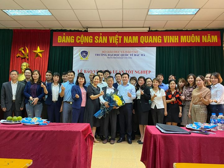 Lễ bảo vệ khóa luận tốt nghiệp của sinh viên ngành Kế toán Khóa 12 - Lớp KT02